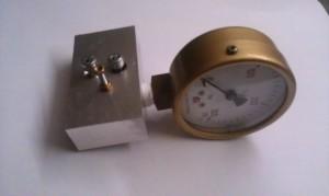 LG400 regulator tester with valve