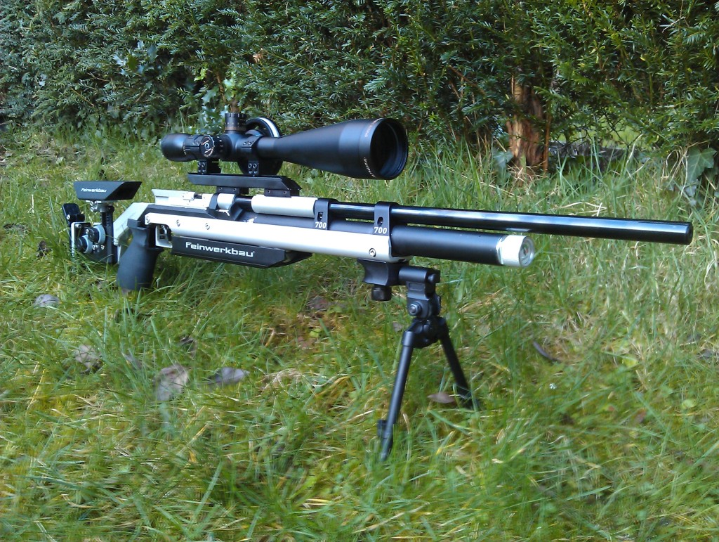 2. Front side view of the Feinwerkbau P70 in the Feinwerkbau 700 aluminium stock.